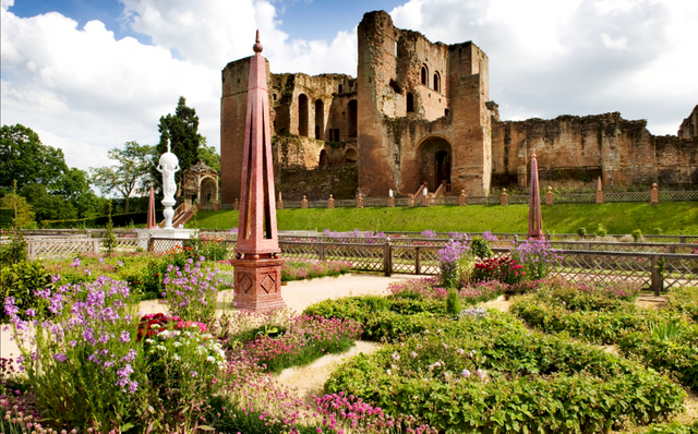 Kenilworth Castle & Gardens
