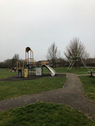 Pineholt Play Park Hucclecote