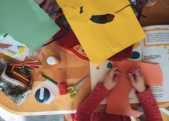 Dixie Dot Preschool Craft Sessions
